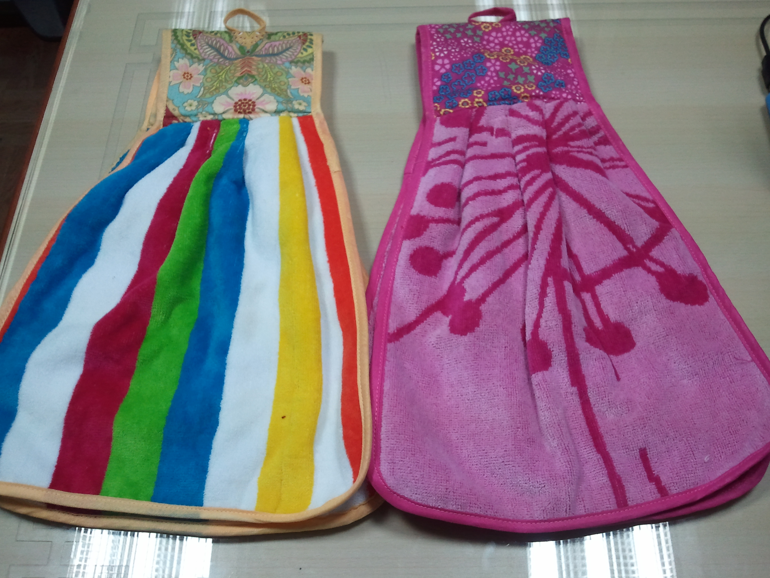 We Also Offer Different Terry Kitchen Towels With Colorful Designs. Hanging  Loops Are Also Attached With These Kitchen Towels And Can Be Used For  Multi  ...